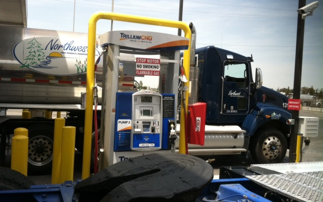 Trillium CNG filling station opens in Tulare, California